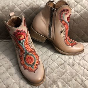 Corral Shoes - CORRAL NATURAL ORANGE EMBROIDERED BOOTIES